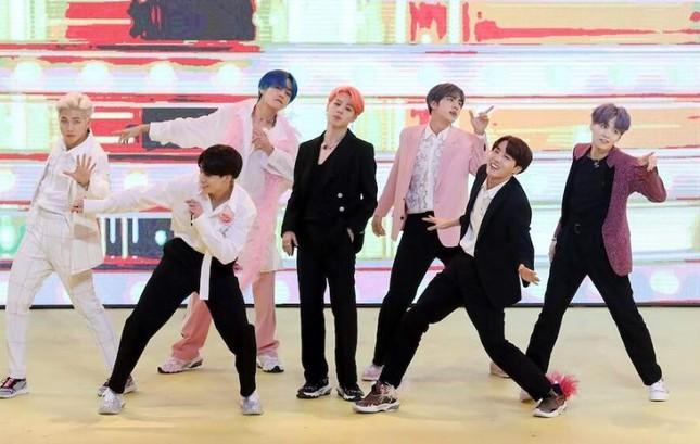 """Chúc mừng BTS lần thứ hai """"bỏ túi"""" MV tỷ view trên YouTube với """"Boy With Luv""""! ảnh 2"""