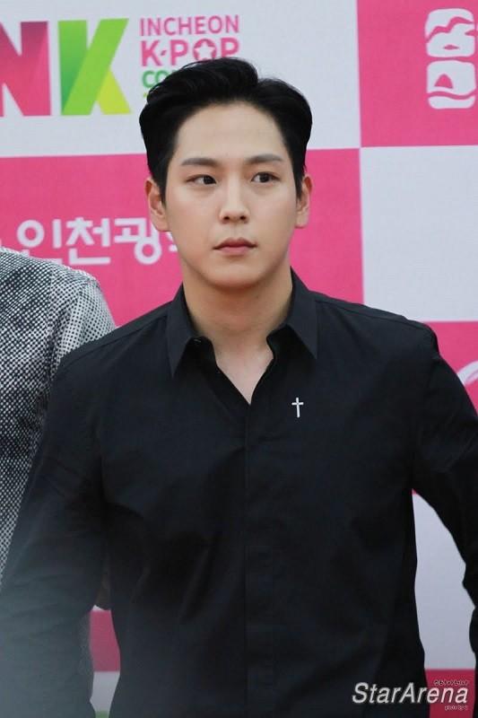 SỐC: Himchan (cựu thành viên B.A.P) lái xe khi say rượu, gây tai nạn lúc nửa đêm ảnh 2