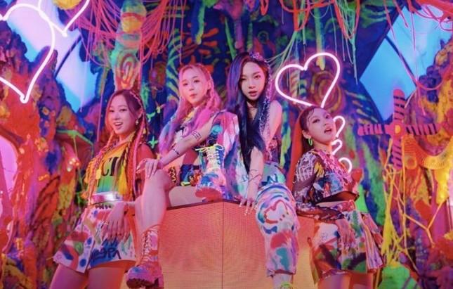 """aespa debut với """"Black Mamba"""": Netizen liệu có hát """"yêu thì yêu, không yêu thì yêu""""? ảnh 1"""