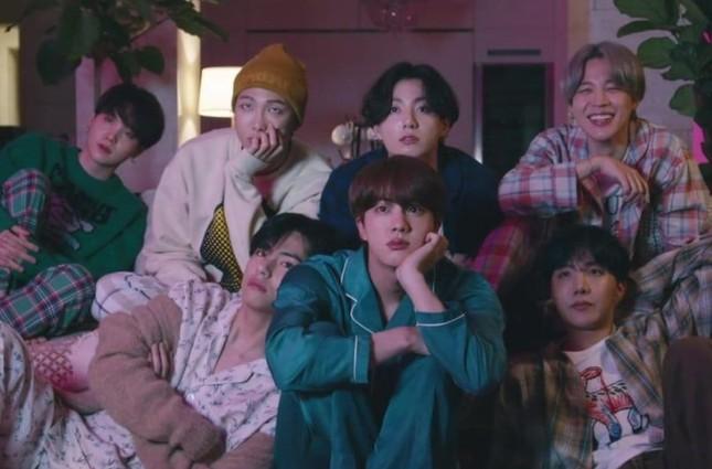 """BTS chính thức tung album """"BE"""" và MV """"Life Goes On"""", gửi thông điệp hy vọng đến ARMY ảnh 2"""