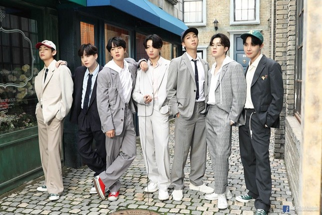 ĐỈNH: BTS là nghệ sĩ K-Pop đầu tiên được đề cử chính thức trong lịch sử 61 năm của Grammy ảnh 3
