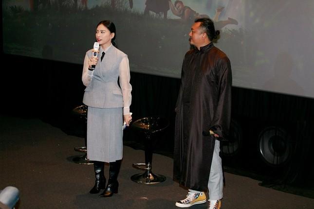 Đạo diễn Phan Gia Nhật Linh giải thích lý do bỏ bản đồ Việt Nam khỏi trang phục Trạng Tí ảnh 1