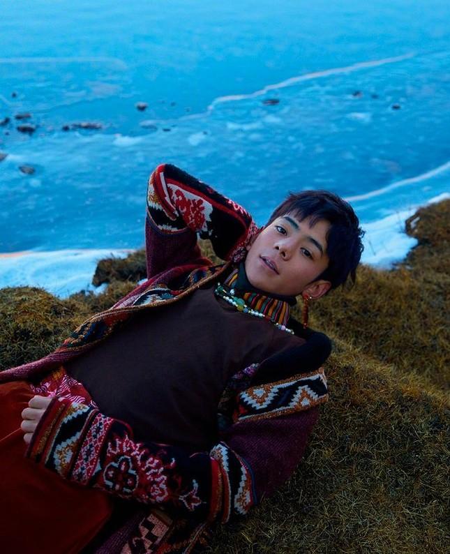 Trát Tây Đinh Chân - Chàng hotboy Tây Tạng ra mắt MV đầu tay, từng bước thành sao ảnh 3