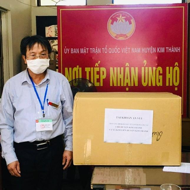 """""""Phiên chợ 0 đồng"""" và những chuyến xe giải cứu nông sản Hải Dương của nghệ sĩ Việt ảnh 11"""