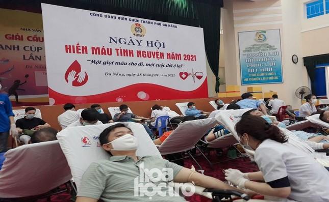 """Sinh viên Đà Nẵng tích cực tham gia hoạt động tình nguyện tại """"Ngày hội hiến máu"""" năm 2021 ảnh 1"""