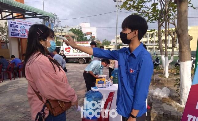 """Sinh viên Đà Nẵng tích cực tham gia hoạt động tình nguyện tại """"Ngày hội hiến máu"""" năm 2021 ảnh 3"""