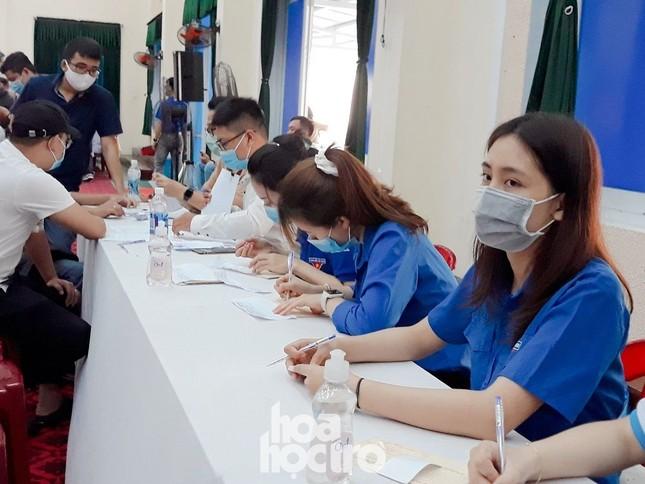"""Sinh viên Đà Nẵng tích cực tham gia hoạt động tình nguyện tại """"Ngày hội hiến máu"""" năm 2021 ảnh 2"""