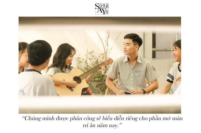 TP.HCM: Ngất ngây với bộ ảnh chủ đề thanh xuân vườn trường của teen THPT Nguyễn Hữu Cầu ảnh 5