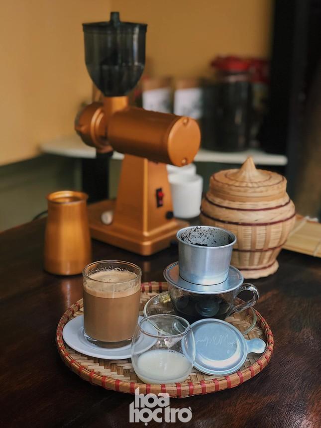 Hẹn hò Sài Gòn: Sài Gòn cà phê sữa đá độc đáo, lãng mạn và yên bình, bạn ghé chưa? ảnh 8