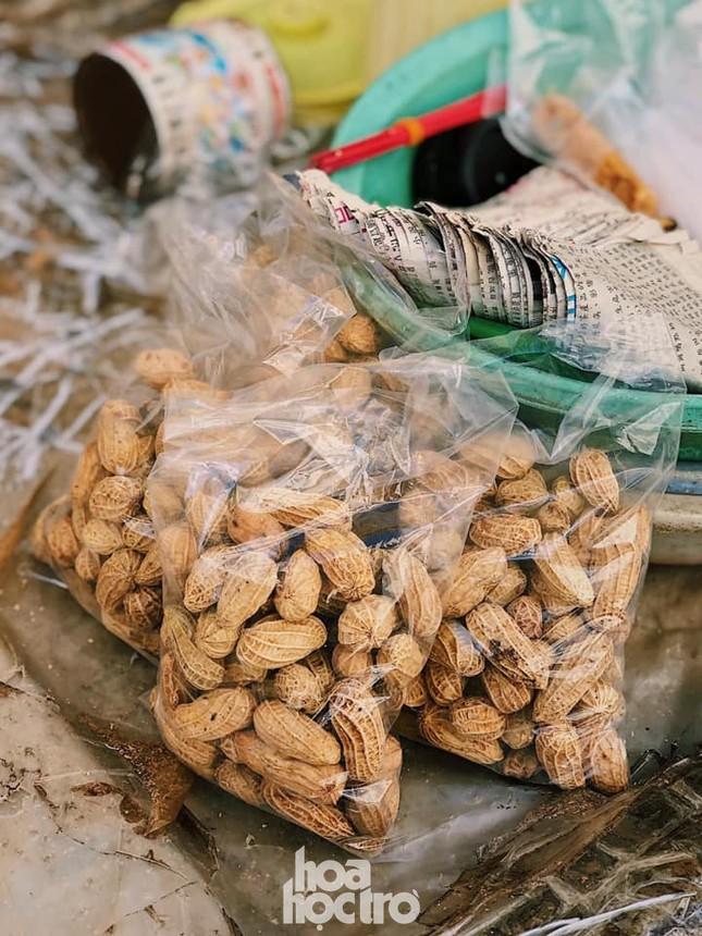 Hẹn hò Sài Gòn: Thực đơn ăn vặt chỉ từ 10K, ấm cái bụng mà giá lại mềm xèo! ảnh 11