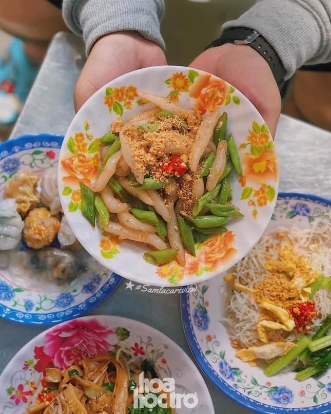 Hẹn hò Sài Gòn: Thực đơn ăn vặt chỉ từ 10K, ấm cái bụng mà giá lại mềm xèo! ảnh 1