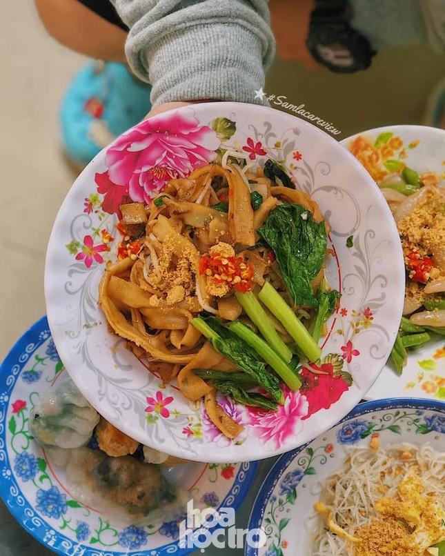 Hẹn hò Sài Gòn: Thực đơn ăn vặt chỉ từ 10K, ấm cái bụng mà giá lại mềm xèo! ảnh 2