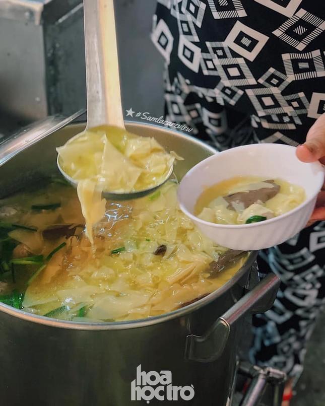 Hẹn hò Sài Gòn: Thực đơn ăn vặt chỉ từ 10K, ấm cái bụng mà giá lại mềm xèo! ảnh 3