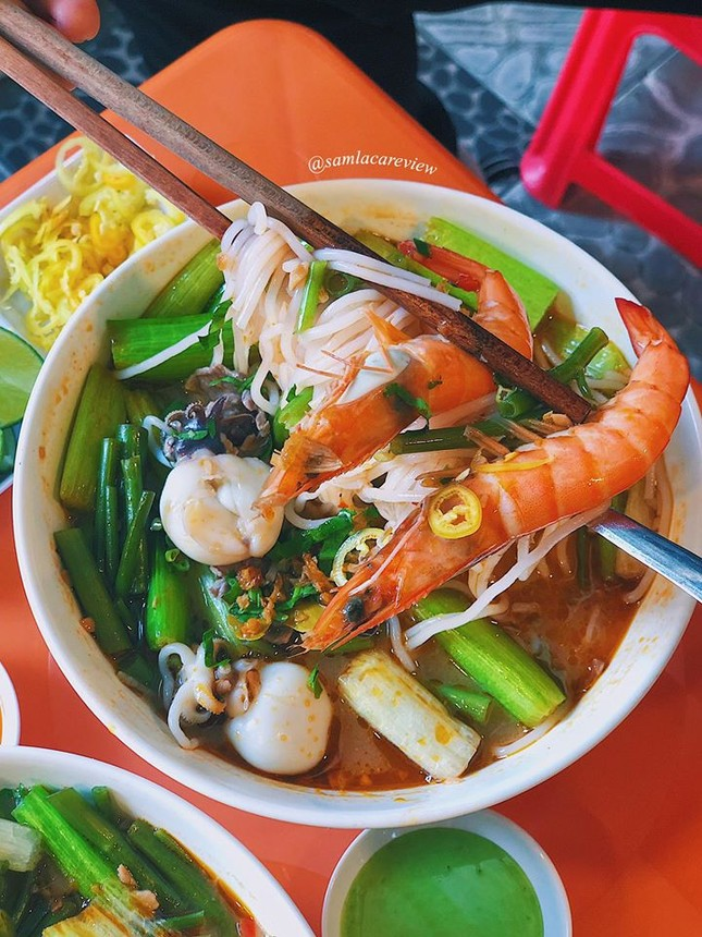 Hẹn hò Sài Gòn: Cơm và bún ngon thế này, không ăn hơi uổng đó bạn! ảnh 11
