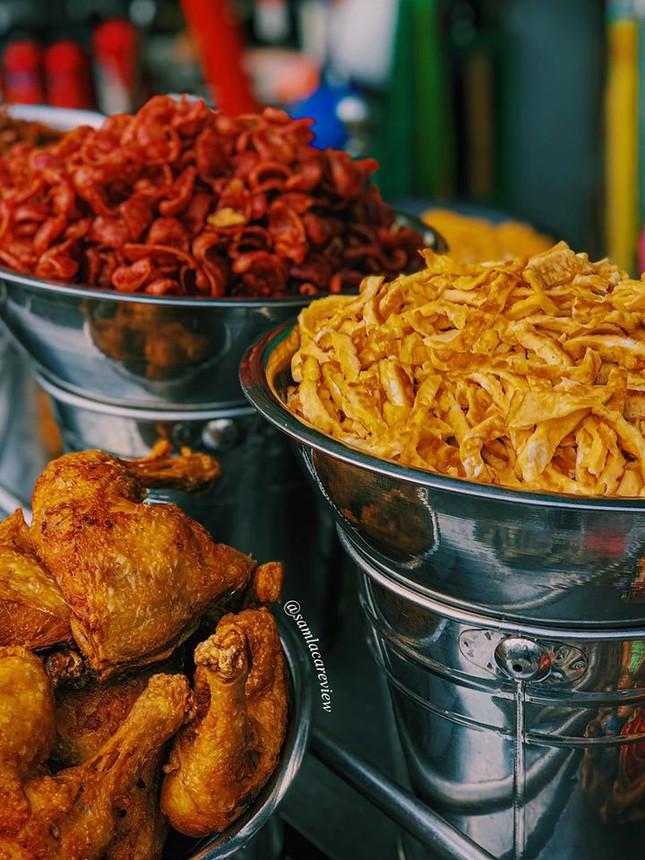 Hẹn hò Sài Gòn: Cơm và bún ngon thế này, không ăn hơi uổng đó bạn! ảnh 2