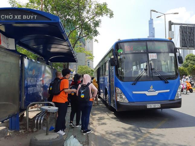 TP.HCM: Không đeo khẩu trang khi lên xe buýt, bạn có thể bị mời xuống xe ảnh 1