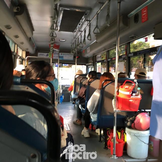 TP.HCM: Không đeo khẩu trang khi lên xe buýt, bạn có thể bị mời xuống xe ảnh 5