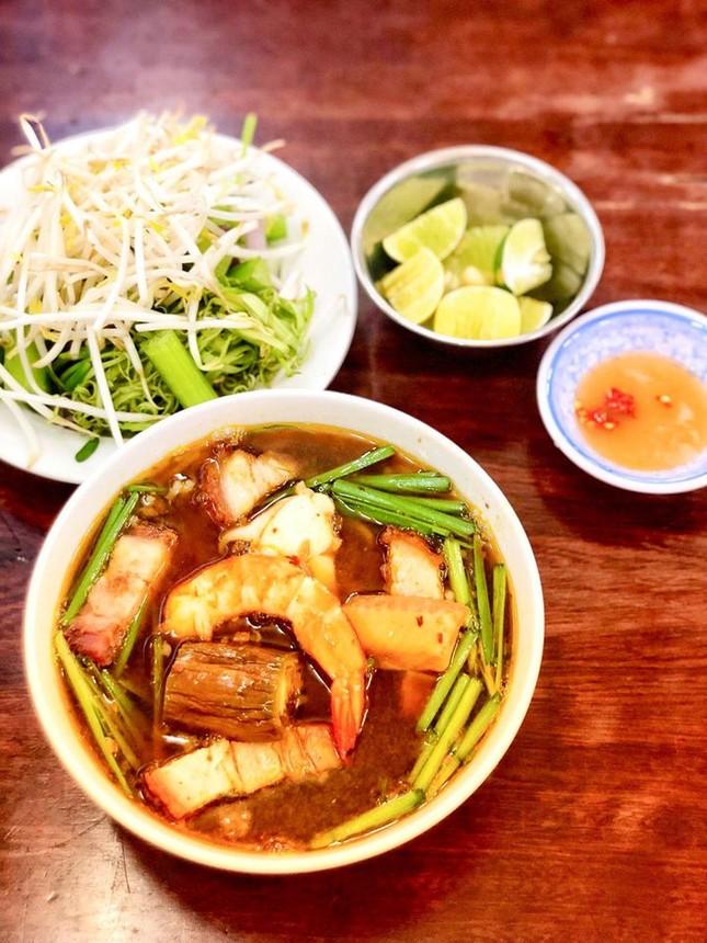 Bạn muốn thưởng thức những món ăn chuẩn vị Sài Gòn hay chuẩn vị Huế? ảnh 7