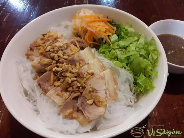 Bạn muốn thưởng thức những món ăn chuẩn vị Sài Gòn hay chuẩn vị Huế? ảnh 3