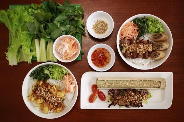 Bạn muốn thưởng thức những món ăn chuẩn vị Sài Gòn hay chuẩn vị Huế? ảnh 5