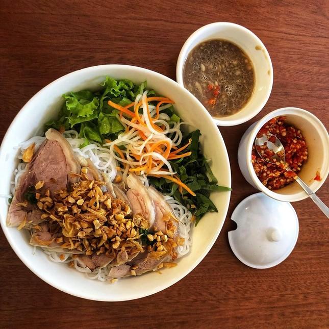 Bạn muốn thưởng thức những món ăn chuẩn vị Sài Gòn hay chuẩn vị Huế? ảnh 1