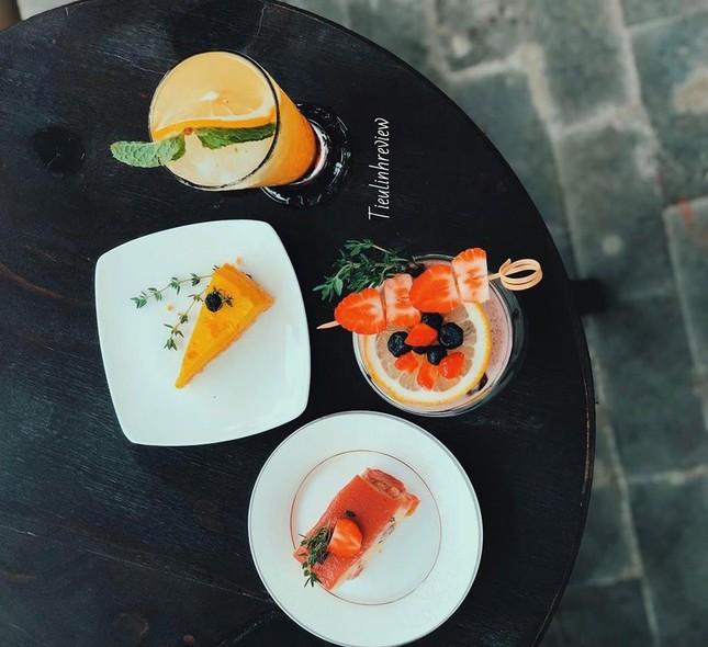 """Hẹn hò với Sài Gòn: Quán cà phê gara """"cool ngầu"""" và tiệm trà trên sân thượng sang chảnh ảnh 5"""