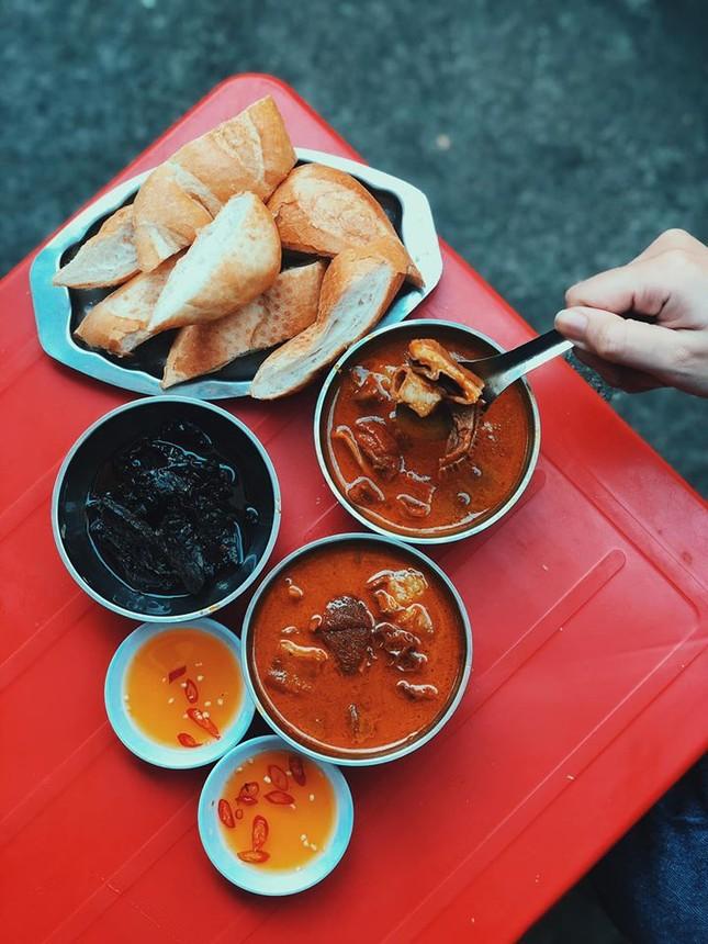 Hẹn hò Sài Gòn: Phá lấu và Bánh tráng - bộ đôi hoàn hảo cho bữa xế ngày mưa ảnh 1