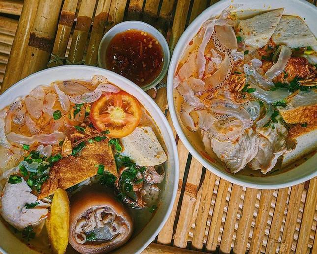 Giờ ăn đến rồi: Bún cá Nha Trang loại đặc biệt hay Tokbokki thơm ngon vô đối? ảnh 1