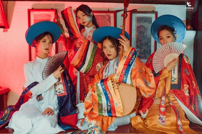 Trầm trồ trước vẻ đẹp của cổ phục Việt Nam trong bộ ảnh kỷ yếu của teen 12 Nam Định ảnh 4