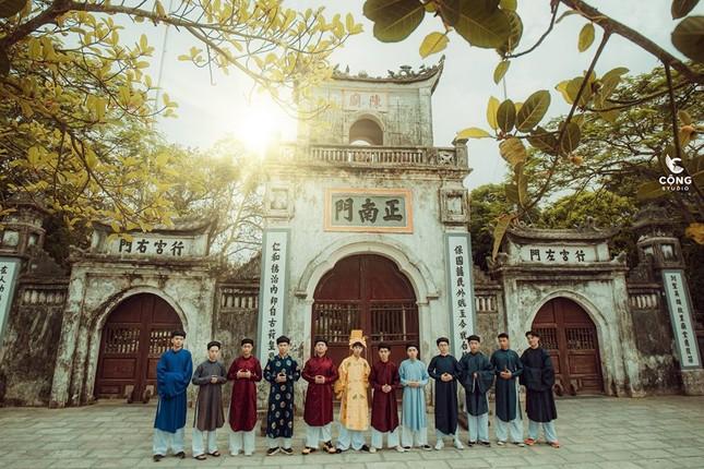 Trầm trồ trước vẻ đẹp của cổ phục Việt Nam trong bộ ảnh kỷ yếu của teen 12 Nam Định ảnh 6