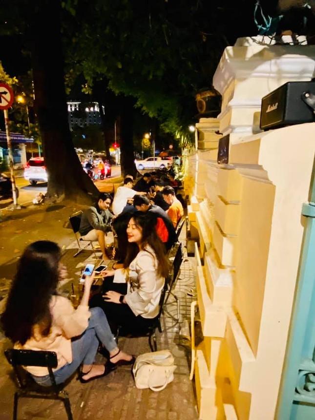 """Đu đưa Sài Gòn: Bạn đã thử bánh """"tăng cân"""" và uống trà """"thị phi"""" chưa? ảnh 11"""