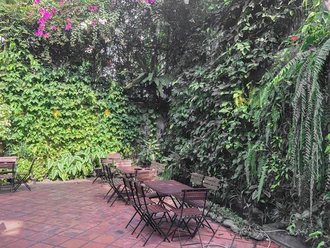 Hẹn hò Sài Gòn: Những cửa tiệm mùa Hè xinh xắn, view đẹp, nước ngon ảnh 7