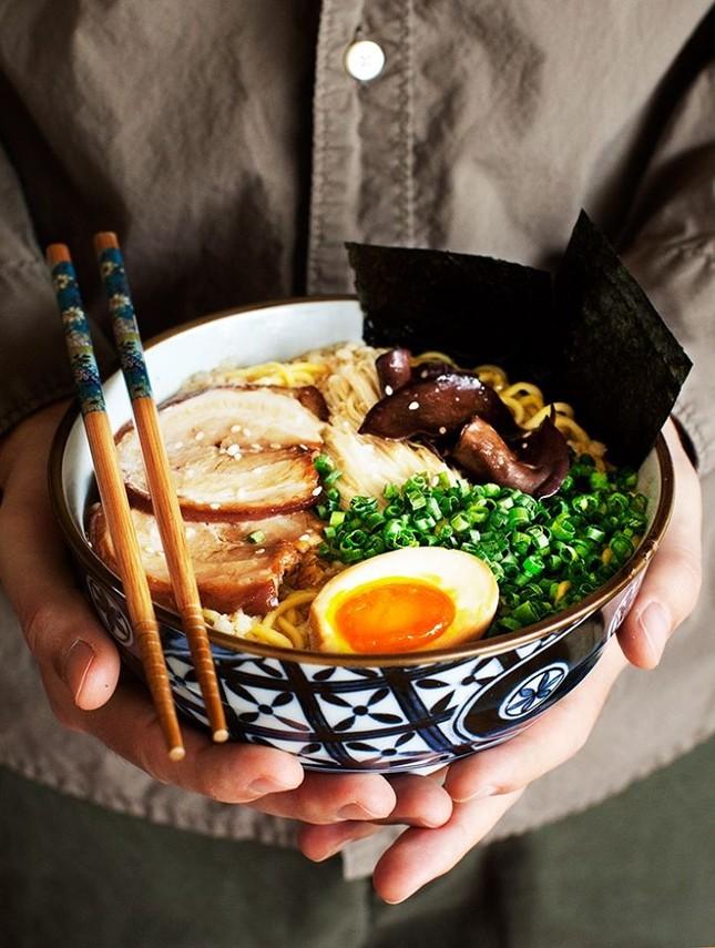 Trưa nay ăn gì Sài Gòn: Đổi vị với thực đơn món lạ, quán cũng... lạ luôn! ảnh 8