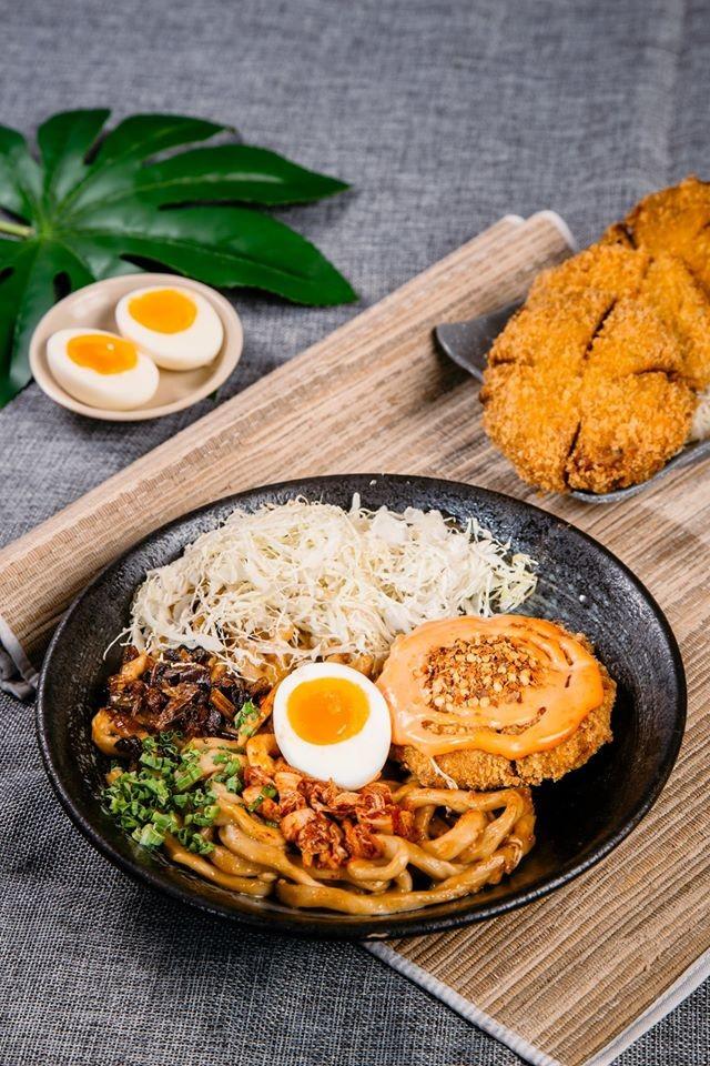 Trưa nay ăn gì Sài Gòn: Đổi vị với thực đơn món lạ, quán cũng... lạ luôn! ảnh 7