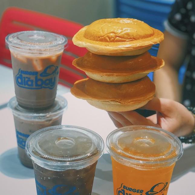 Món ngon Sài Gòn: Team hảo ngọt và team mê burger mau mau bơi vào đây! ảnh 7