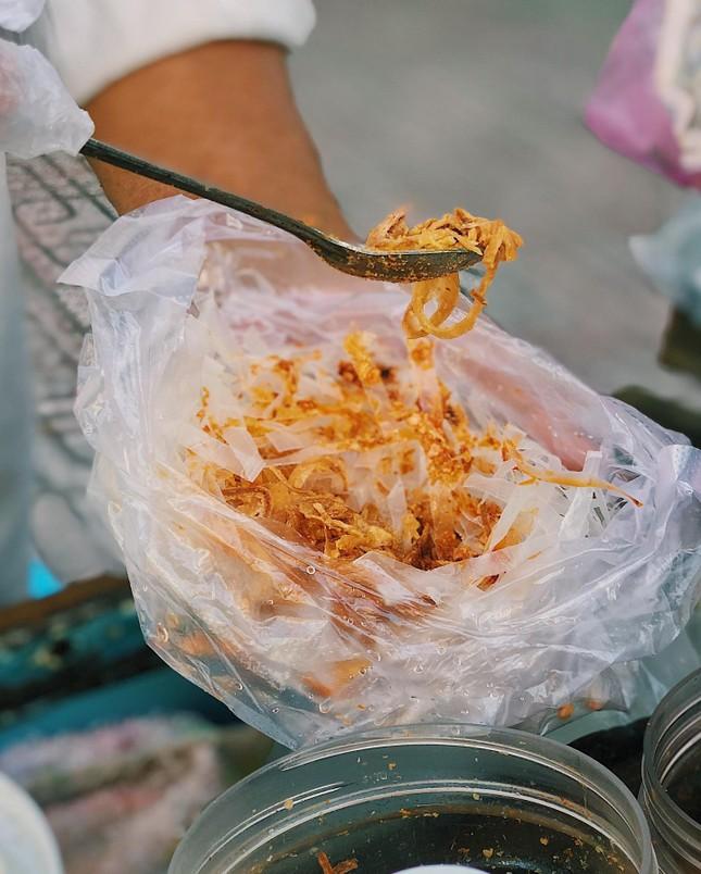 Cứu đói buổi xế chiều: Bạn chọn bánh sữa pate chiên trứng hay bánh tráng tỏi phi? ảnh 6