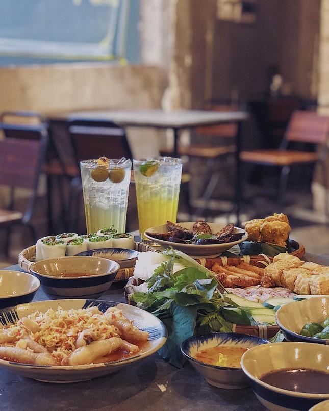 Hẹn hò Sài Gòn: Ăn thả cửa cùng mẹt bún đậu tá lả và buffet lẩu ngon mê man ảnh 4