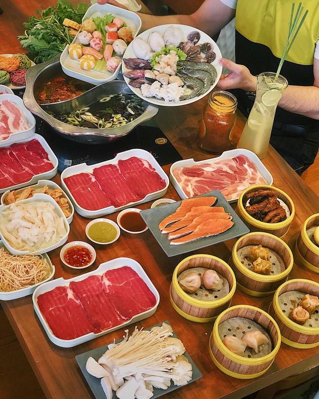 Hẹn hò Sài Gòn: Ăn thả cửa cùng mẹt bún đậu tá lả và buffet lẩu ngon mê man ảnh 6