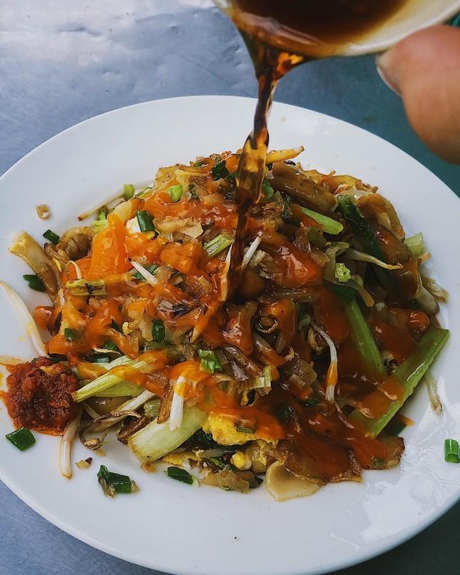 Những món ăn thân thuộc: Hủ tiếu xào người Hoa và mì bò hầm ngon nức tiếng ảnh 4