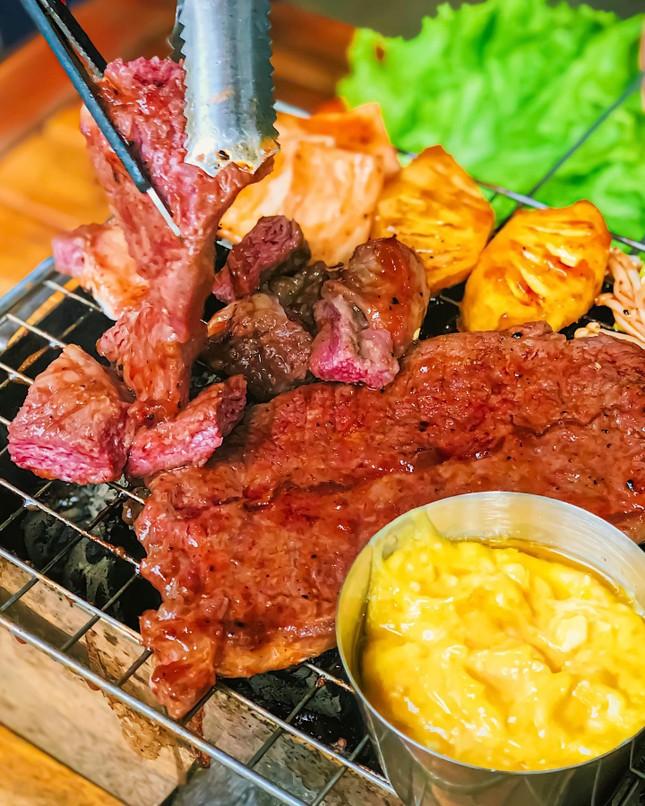 Ăn gì trưa nay: Gà cay phô mai và bò sốt trứng muối, bên nào… mập hơn? ảnh 6
