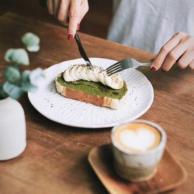"""Ai nói tận hưởng buổi sáng ở Sài Gòn chỉ có đi cà phê cóc mới là """"đúng điệu""""? ảnh 3"""