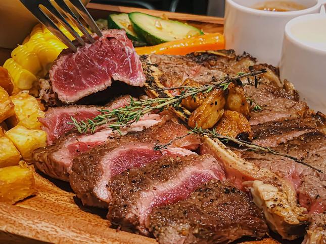 Buffet Hàn chuẩn vị và ẩm thực trời Âu ngon mê li với steak, pasta cùng không gian lãng mạ ảnh 4