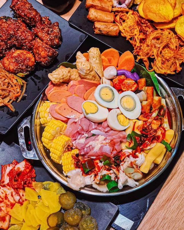 Buffet Hàn chuẩn vị và ẩm thực trời Âu ngon mê li với steak, pasta cùng không gian lãng mạ ảnh 1
