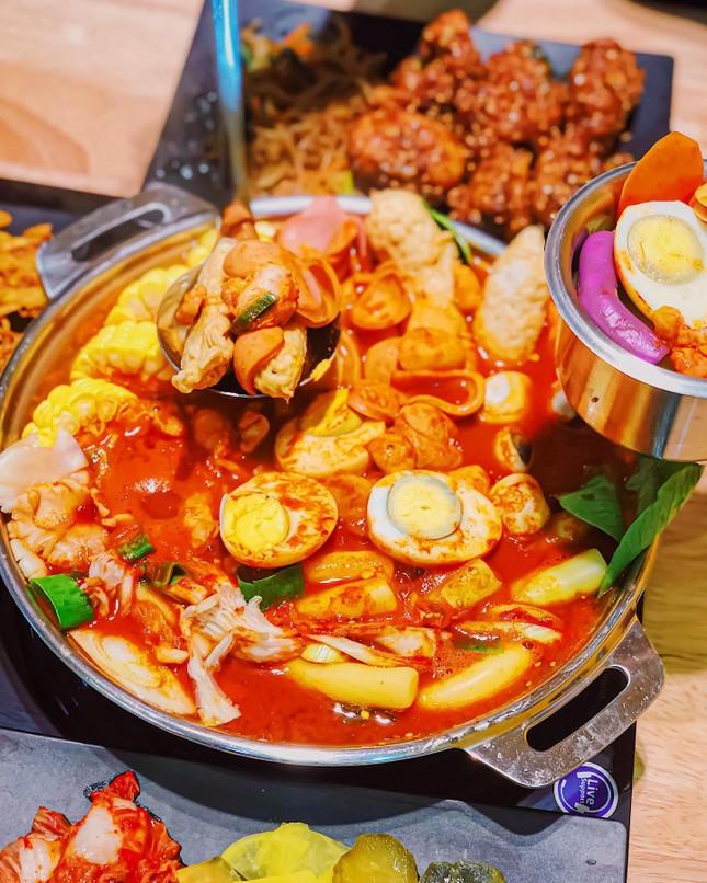 Buffet Hàn chuẩn vị và ẩm thực trời Âu ngon mê li với steak, pasta cùng không gian lãng mạ ảnh 3