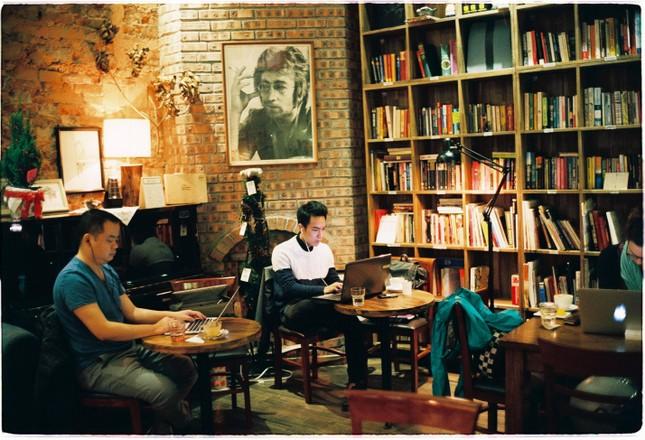 """Tận hưởng không khí cuối năm thật """"chất"""" tại Top 3 quán cà phê nghệ thuật xịn sò ảnh 5"""