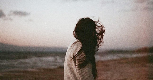 Có những tình yêu thật sự mù quáng và điên rồ, em cần đủ tỉnh táo để nhận diện nó! ảnh 2
