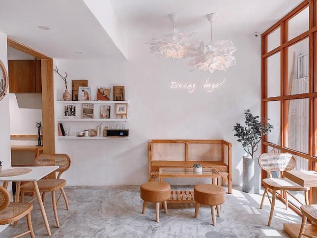 Hẹn hò cuối tuần: Xoa dịu tâm hồn với những quán cà phê có view chất lừ và thơ mộng ảnh 7
