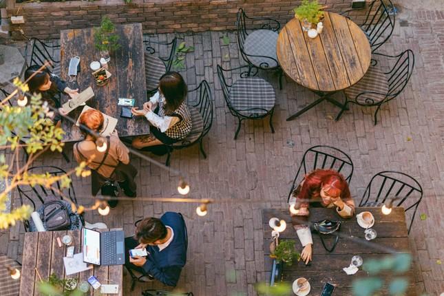Cà phê Hà Nội: Hẹn hò trong không gian ấm cúng và bình yên đến lạ giữa lòng phố cổ ảnh 4