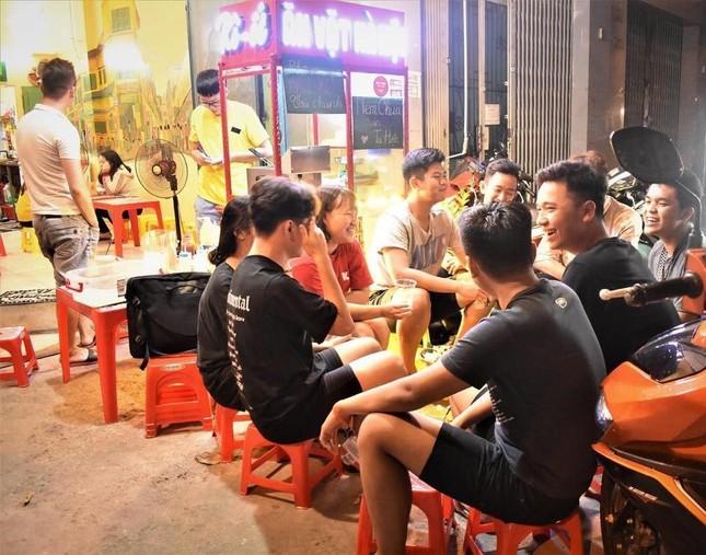 """Khám phá những hàng quán quà vặt chuẩn vị Hà Nội """"ăn bao nghiền"""" tại Sài Gòn ảnh 9"""