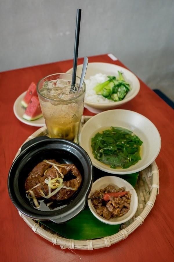 """Điểm mặt những quán ăn miền Trung khiến teen Sài Gòn """"cảm nắng"""" ảnh 3"""